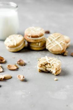 I love anything with pistachios & we can basically drown anything in white chocolate & it would be amazing so I bring you pistachio white chocolate cookies! My Recipes, Baking Recipes, Sweet Recipes, Cookie Recipes, Dessert Recipes, Amish Sugar Cookies, Tasty Cookies, Shortbread Recipes, Macaroon Recipes