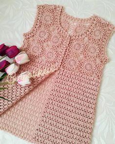 Curtidas, 44 Comentários - ❤Hiva N Gehäkelte - Diy Crafts - DIY & Crafts Crochet Bolero Pattern, Crochet Tunic, Crochet Jacket, Filet Crochet, Crochet Clothes, Crochet Baby, Knit Crochet, Baby Knitting Patterns, Knitting Designs