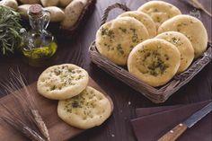 Le focaccine di patate sono morbide focaccine realizzate con un impasto a base di patate lesse.