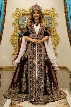 ❤ s anas ❤ Muslim Girls, Muslim Women, Princess Wedding Dresses, Bridal Dresses, Modest Fashion, Hijab Fashion, Turkish Wedding Dress, Simple Hijab, Hijab Style