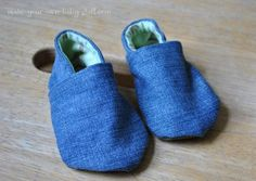 Make your own baby shoes! Use our printable cloth baby shoe pattern to create soft and cute handmade slippers.