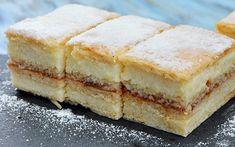 Prajitura Albinita este una dintre cele mai indragite prajituri de casa, din foi de miere, gem acrisor si o crema de gris cu lapte si unt. Sweet Pastries, Food Cakes, Cornbread, Cake Recipes, Cheesecake, Food And Drink, Honey, Ice Cream, Sweets