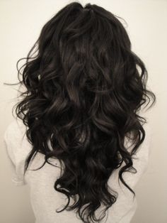 """long hair cut in a """"V"""" shape. Love my hair cut in a """"V"""" I just don't understand why hairdressers here (in Idaho) can't figure out how to do it!?!?"""