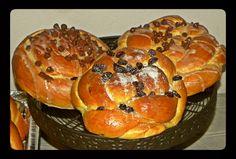 Festival Foods, Jewish Festivals, Jewish Food, Jewish Recipes, Challah, Chocolate Chips, Bread Baking, Raisin, Food Dishes