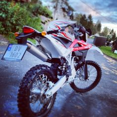 My beloved Husky TE 250 (rip). Husky, Motorcycle, My Love, Vehicles, Products, Motorcycles, Car, Husky Dog, Motorbikes