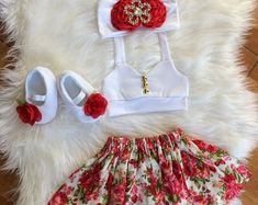 This sweet floral outfit is perfect for any special occasion. Handmade to order. No two items will be exactly the same! All of my items are made with quality fabrics and professional finishes. SIZZING Newborn to to to Kids Dress Wear, Dresses Kids Girl, Kids Outfits Girls, Toddler Outfits, Girl Outfits, Cute Kids Fashion, Baby Girl Fashion, Baby Dress Design, Baby Frocks Designs