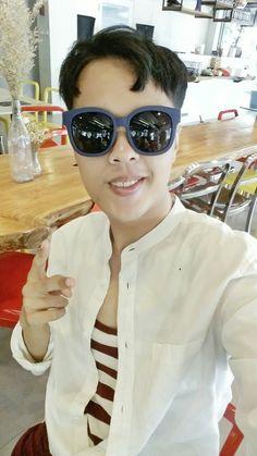 new shades Bangkok, Round Sunglasses, Shades, Fashion, Moda, Fashion Styles, Fasion, Eyeshadow, Sunglasses