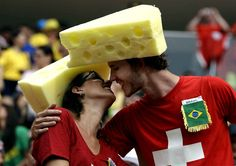 Quand deux fromages se rencontrent...#cdm2014 #worldcup2014 #football #WorldCup2014Brazil #soccer #fans #photography