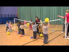1ere séance initiation au Volley ball /4 ans - YouTube