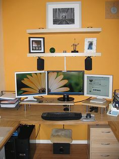 great desk with multi monitors from this website httplifehackercom basement office setup 3 primary
