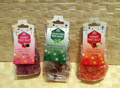 #produseapicole #miere #Apidava #blogger #brander #dulcesanatos #jeleuri #dulciuri #sugarfreebonbons #honeyfruitjelly #cadouridulci  Multumesc Apidava si Brander pentru bunatatile dulci cu miere!!! 🐝 - Jeleuri cu miere, mure si rodie - Bomboane balsamice cu propolis - Jeleuri cu miere, capsuni si vanilie Snack Recipes, Snacks, Sugar Free, Jelly, Chips, Honey, Fruit, Health, Food
