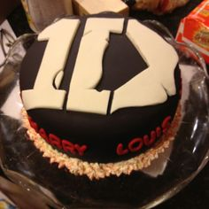 One direction cake I made for my best friend:)