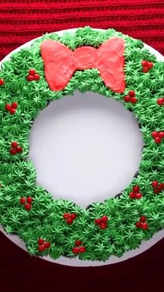 Christmas Themed Cake, Christmas Cake Designs, Christmas Snacks, Christmas Cooking, Christmas Gingerbread, Christmas Countdown, Christmas Cupcake Cake, Holiday Cupcakes, Halloween Cupcakes