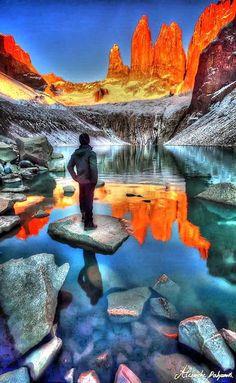 This looks amazing!!  Patagonia, Chile... VIAJES. Colocar afiches, fotografías, adornos con los lugares que hemos visitado o nos gustaría visitar en la coordenada Noroeste es fabuloso para activar nuestros viajes.