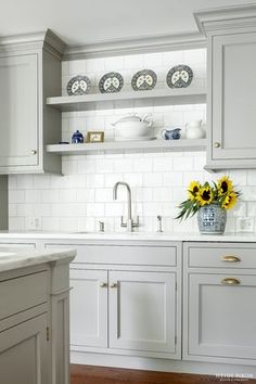 Uplifting Kitchen Remodeling Choosing Your New Kitchen Cabinets Ideas. Delightful Kitchen Remodeling Choosing Your New Kitchen Cabinets Ideas. Kitchen Ikea, Best Kitchen Cabinets, Farmhouse Kitchen Cabinets, Kitchen Cabinet Design, New Kitchen, Kitchen White, Kitchen Backsplash, Kitchen Corner, Shelves Over Kitchen Sink