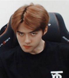 oh sehun sehun meme exo memes K Pop, Memes Exo, Funny Kpop Memes, Meme Faces, Funny Faces, Bts Derp Faces, Chanyeol, Exo Stickers, Reaction Face
