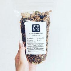 ⁑ ぽりぽり。 ぼりぼり。 うまっ。 . #グランダファミリオ #grandafamilio #グラノーラ #granola #バナナグラノーラ #banana #オーガニック #organic curated by Copious Bags™