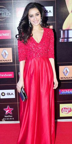 Shraddha Kapoor at the Star Guild Awards 2015. #Bollywood #Fashion #Style #Beauty