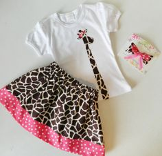 712ba680dd6 Items similar to 2 piece outfit Shirt with long and lanky giraffe with pink  dot bow
