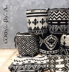 Best 12 Crochet side bag pattern pdf with graph and by PasoaPasoCrafts – SkillOfKing. Tapestry Bag, Tapestry Crochet, Crochet Motifs, Crochet Patterns, African Interior Design, African Home Decor, Tribal Decor, Deco Boheme, Boho Bags