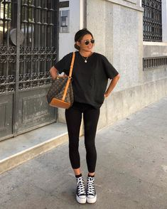 Korean Fashion Tips .Korean Fashion Tips Wearing All Black, All Black Outfit, Casual Outfits, Cute Outfits, Fashion Outfits, Fashion Hacks, Modest Fashion, Hijab Fashion, Fashion Tips For Women