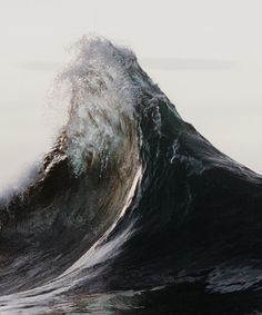 Nick Rapley takes some of the best wave shots. (Dunedin, New Zealand