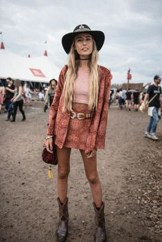 hippie vibes | festival outfit inspiration | festival vibes | feel the spirit | music love | Fitz & Huxley | www.fitzandhuxley.com