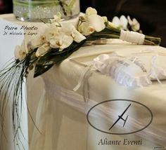 Bouquet a fascio con orchidee bianche