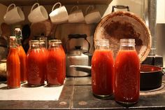 Thermomix tomato passata is a wonderful base for soup, risotto, pasta sauce etc. Thermomix Soup, Relish Sauce, Vegetarian Sweets, Eat Me Drink Me, Tomato Season, Magic Recipe, Cooking Recipes, Healthy Recipes, Food Hacks