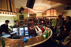 De Nieuwe Anita - Lovely bar slash podium slash theater slash hairdresser slash ...