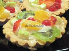 Tarte cu fructe Romanian Food, Romanian Recipes, Dessert Recipes, Desserts, Fruit Salad, Sushi, Cooking, Ethnic Recipes, Sweet