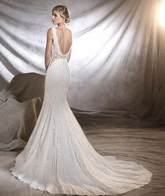ORESTE - Empire line wedding dress with bateau neckline