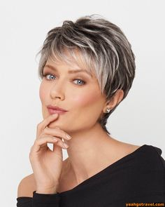 "How to style the Pixie cut? Despite what we think of short cuts , it is possible to play with his hair and to style his Pixie cut as he pleases. For a hairstyle with a ""so chic"" and pointed… Continue Reading → Grey Hair Over 50, Short Grey Hair, Short Hair With Layers, Short Hair Over 50, Short Blonde Pixie, Short Hairstyles For Thick Hair, Curly Hair Styles, Older Women Hairstyles, Hairstyles For Over 60"