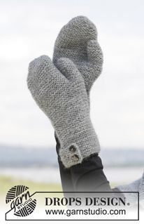 """Always Beautiful - Knitted DROPS neck warmer, hat and mittens in garter st in 2 strands """"Alpaca"""". - Free pattern by DROPS Design Mittens Pattern, Knit Mittens, Knitted Gloves, The Mitten, Knitting Patterns Free, Free Knitting, Free Pattern, Crochet Patterns, Drops Design"""