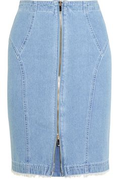 Hot Denim: Celebrities Love the Mini Skirts, Flair Jeans & Throwback Style — 20 Ways to Wear It Well Denim Skirt Outfits, Denim Outfit, Cute Skirts, Mini Skirts, Formal Dress Patterns, Denim Fashion, Fashion Outfits, Denim Ideas, Spring Skirts