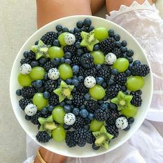 Choose your favorite fruit plate 6 or . All by You can find Healthy ideas and more on our website.Choose your favorite fruit plate Healthy Meal Prep, Healthy Snacks, Healthy Recipes, Healthy Fruits, Detox Recipes, Stay Healthy, Healthy Drinks, Think Food, Love Food