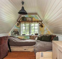 Bedroom wallpaper bed