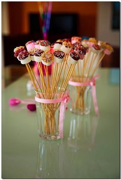 Cake pops birthday display sticks ideas for 2019 Candy Table, Candy Buffet, Candy Bar Party, Party Treats, Party Snacks, Party Desserts, Cake Pops, Marshmallow Pops, Partys