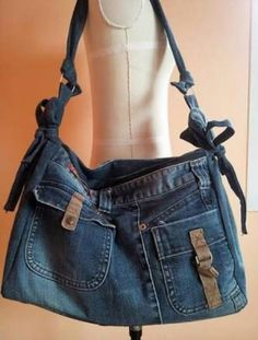 Upcycled Recycled Denim Bag Purse Handicraft by TawanShine Diy Jeans, Love Jeans, Jean Purses, Purses And Bags, Jeans Material, Jeans Recycling, Denim Purse, Denim Ideas, Denim Crafts
