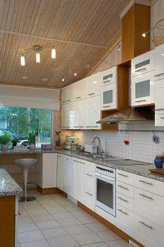 Hirsitalo Nouka 173 - Kuusamo Hirsitalot kiva keittiö