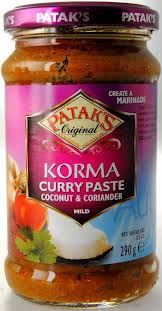 Pataks Korma Curry Paste - the unofficial national British dish made easy. www.clarenceandcripps.com