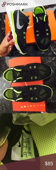 NIKE authentic women's free 5.0 volt shoes Sz 7.5 NIKE authentic women's free 5.0 volt shoes Sz 7.5 NEW Nike Shoes