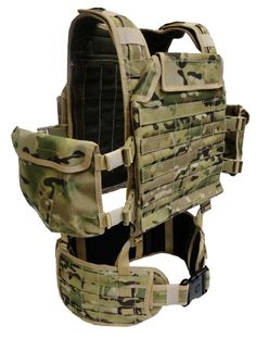 The Hybrid Long Range Patrol Belt and Harness armored system enhances load carriage capability and comfort when patrolling for long periods of time in any terrain. This modular system can adopt on armour plates, pouches and a water hydration bladder to the rear of harness and still allows for extreme comfort, strength and load carriage capability.
