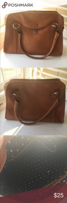 Street Level Bag from Francescas Beautiful shoulder bag very gently used. Francesca's Collections Bags Shoulder Bags