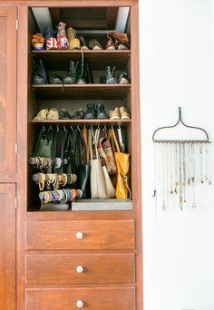 under-mount purse hooks & repurposed rake as necklace holder #jewelery #shoes #closet