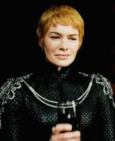 Cersei / Game of Thrones Season 6 The Winds of Winter: Lena Headey (?) IS Cersei, she's so good! I love to hate to her and yet feel for her still somehow? A trait of a great actress! Game Of Thrones Cersei, Arte Game Of Thrones, Game Of Thrones Costumes, Daenerys Targaryen, Cersei Lannister, Jon Snow, Queen Cersei, The Winds Of Winter, Got Characters
