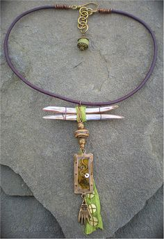 Amulet Necklace by Maggie Zee | Flickr - Photo Sharing! www.maggiezee.blogspot.com