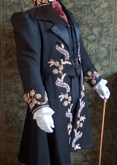 swoon worthy early Victorian era men's jacket: silhouette for men Victorian Mens Fashion, Victorian Steampunk, Victorian Era, Victorian Dresses, Steampunk Clothing, Steampunk Fashion, Historical Costume, Historical Clothing, 19th Century Fashion