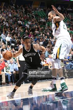 News Photo : Jeremy Lin of the Brooklyn Nets handles the ball...