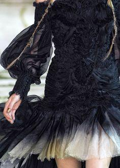 Alexander McQueen, Spring 2011  Sleeves...stunning!